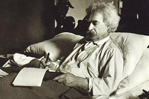 mark-twain-writing-in-bed edit