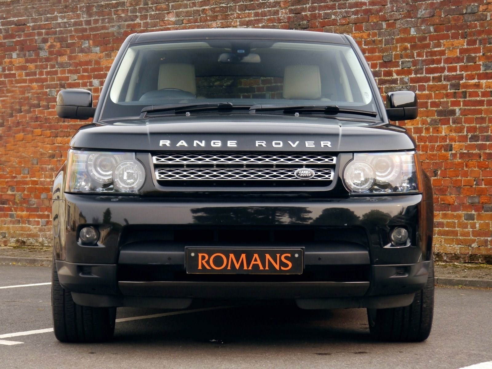 Land Rover Rang Rover Sport HSE Luxury Pack 3 0 SDV6 1 Owner for