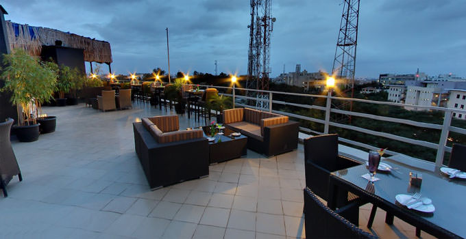 17 best romantic places to visit in bangalore for couples for Sky design hotel