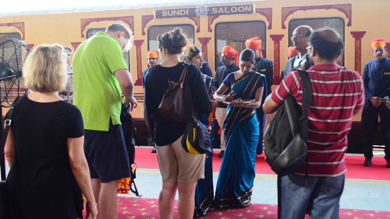palace-on-wheels-guest