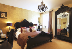 The Wensleydale Heifer with some of the best & most Romantic themed hotel rooms