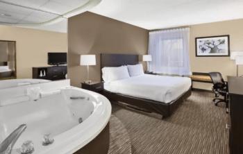 Jacuzzi room in Holiday Inn Express Detroit-Warren, Michigan