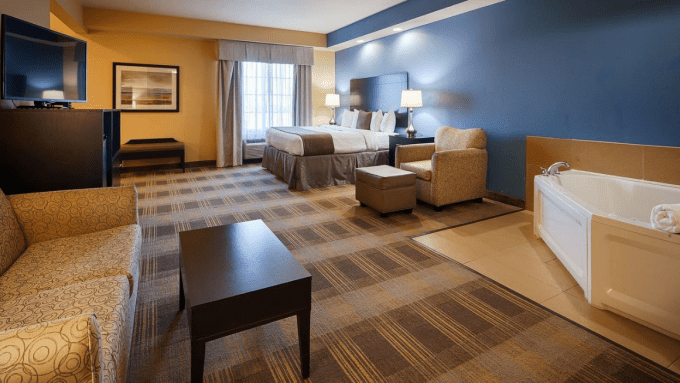 Whirlpool Suite in Best Western Plus Fort Worth Forest Hill Inn & Suites, Texas