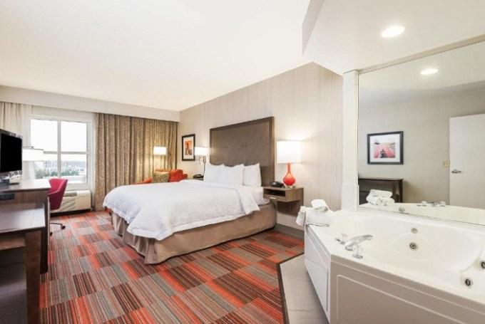 King Room with Whirlpool in Hampton Inn Charlotte Uptown Hotel