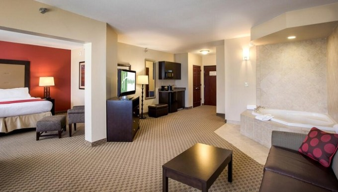 King suite with in-room Whirlpool in Holiday Inn Oklahoma City Airport Hotel