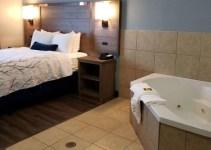 In-room hot tub in Best Western Plus San Antonio East Inn & Suites hotel