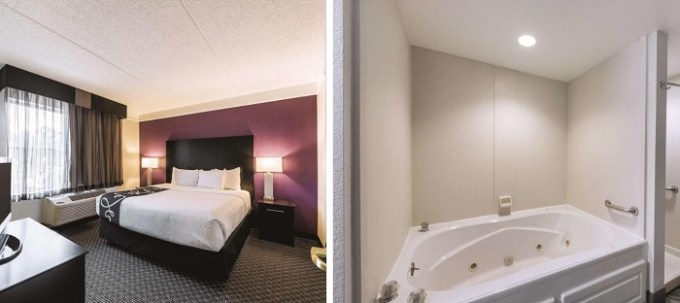 King suite with hot tub in the room in La Quinta by Wyndham San Antonio Downtown hotel