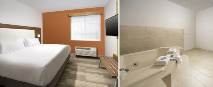 King suite with whirlpool tub in the room in Holiday Inn Express & Suites San Antonio - Downtown Market Area