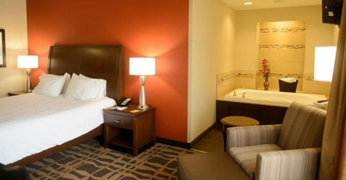 Suite with a whirlpool tub in Hilton Garden Inn Dayton South - Austin Landing, Ohio