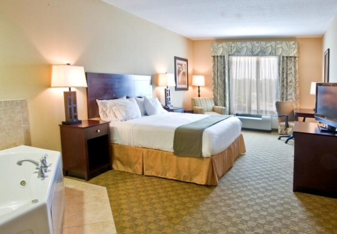 Hot tub suite in Holiday Inn Express Hotel & Suites Tampa-USF-Busch Gardens, Florida