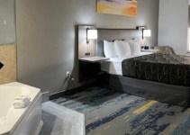 Hot tub suite in La Quinta by Wyndham Tampa Central hotel, Fl