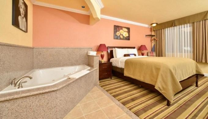 Jacuzzi suite in Inn at SFO, CA
