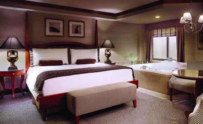 SPA Suite with Whirlpool in the room in Ameristar Casino Hotel Council Bluffs, near Omaha