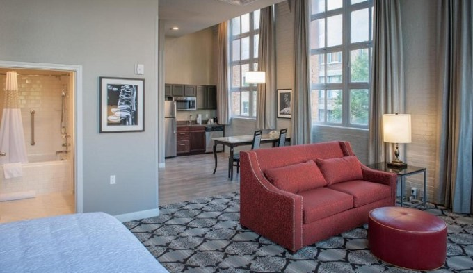Suite with a hot tub in Hampton Inn and Suites New Orleans Convention Center Hotel