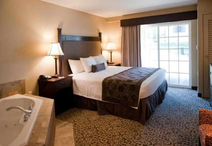 Jacuzzi suite in Best Western Plus Intercourse Village Inn, near Lancaster, PA