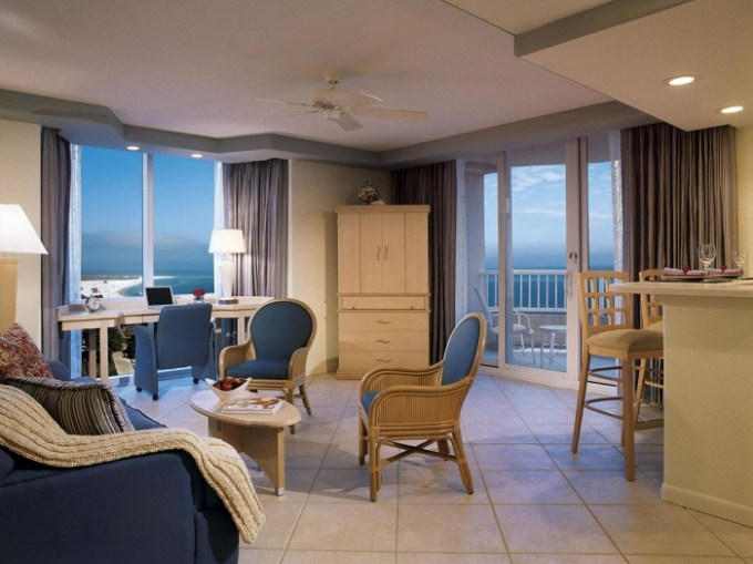 Beachfront hotel suite in Lido Beach Resort - Sarasota, Florida