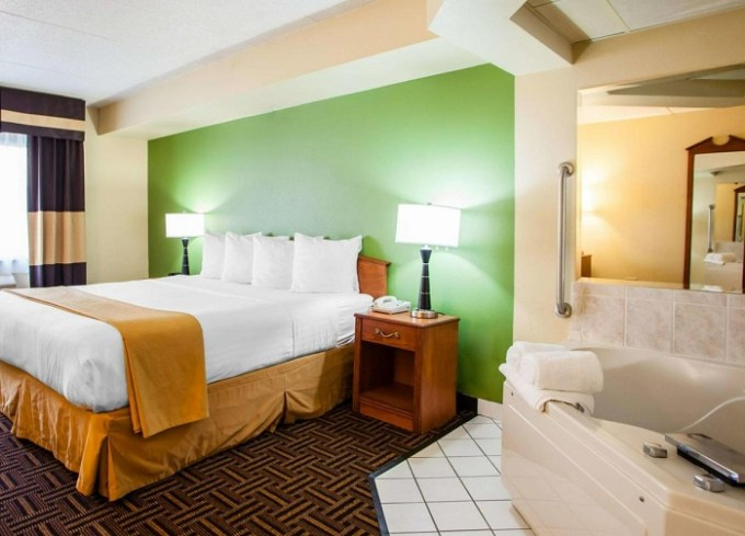 Suite with a Whirlpool in the bedroom in Quality Inn Bolingbrook I-55, near Chicago, IL