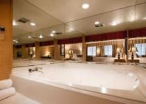 A hot tub suite in Best Western Plus Las Brisas Hotel, Palm Springs, CA
