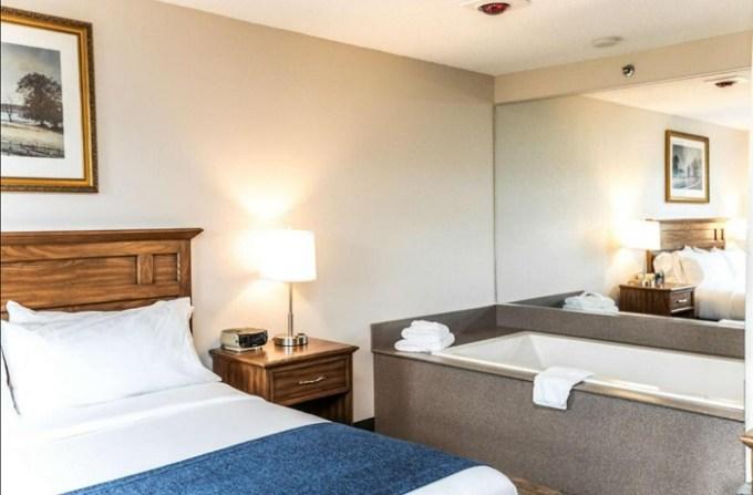 Jacuzzi room in SureStay Plus Hotel by Best Western Elizabethtown Hershey, near Harrisburg, PA