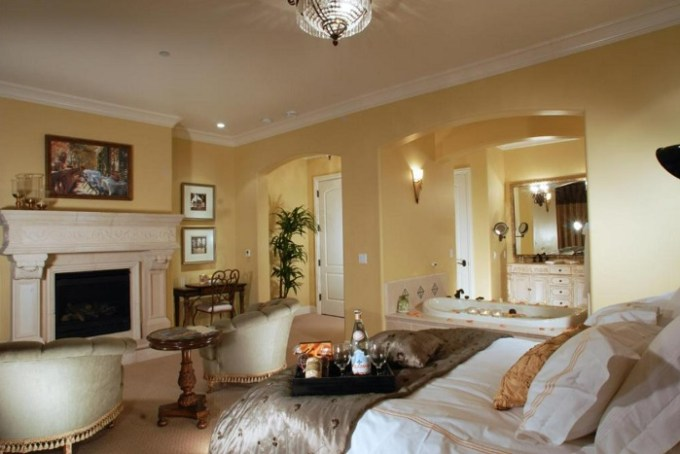 Jacuzzi suite in The Villa at Arden Hills, Sacramento, CA