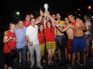 Coslada: Românii şi spaniolii au sărbătorit împreună victoria Spaniei