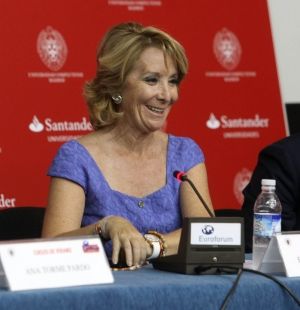 "Esperanza Aguirre i-a ""scris"" 400 de mii de scrisori lui Zapatero"
