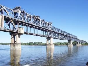 Bulgaria reduce unilateral taxa de traversare a podului Ruse-Giurgiu