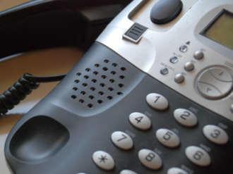 """Rude inselate prin telefon – Atentie la teapa cu """"accidentul""""!"""
