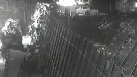 Ceuta şi Melilla: Sute de imigranţi sar gardul în Europa