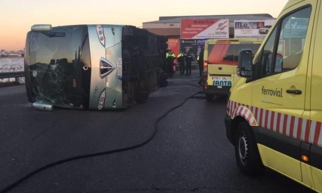 Autocar școlar răsturnat la Madrid