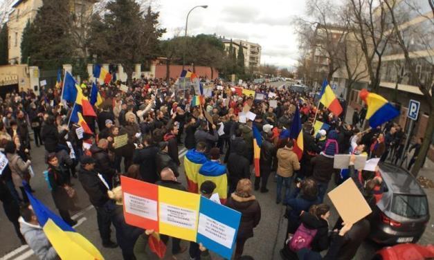 """Mesajul românilor din Spania: """"Hoții să stea la pușcărie"""""""
