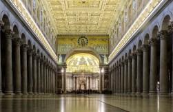Dentro da Basílica de São Paulo Extramuros