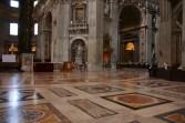 Dentro da Basílica de São Pedro