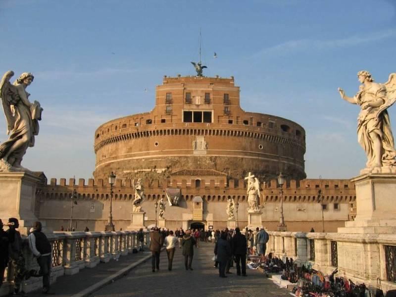 O Castel sant'angelo em Roma