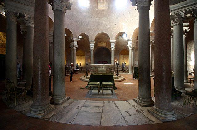 Vista interna do Mausoléu de santa Constança