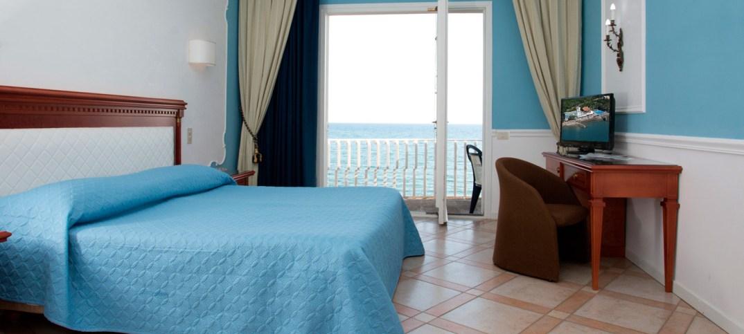 Hotel sul mare vicino Roma