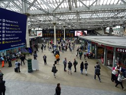 Edinburgh-waverley-main-concourse