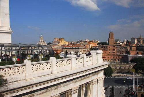 Ascensori per le Terrazze panoramiche del Vittoriano a Roma Altare della Patria Campidoglio