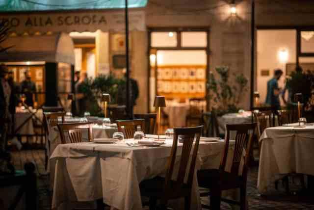 Piazzetta Alfredo: outdoor dining in Rome's centro storico