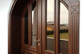 Uși exterior clasice