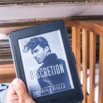 BOOK REVIEW | DISCRETION BY KARINA HALLE