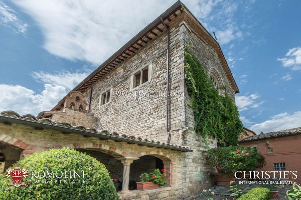 Umbria OLD CONVENT MONASTERY COUNTRY HOTEL FOR SALE IN