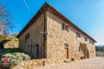 Tuscany - Italian Property With Panoramic View In