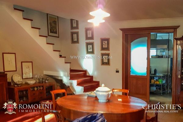 Marche FARMHOUSE AGRITURISMO FOR SALE IN URBINO MARCHE