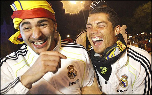 https://i0.wp.com/www.ronaldo7.net/news/2014/03/806-benzema-and-cristiano-ronaldo-having-a-laugh.jpg