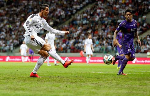 Cristiano Ronaldo Right Foot Shot In Real Madrid Vs Fiorentina