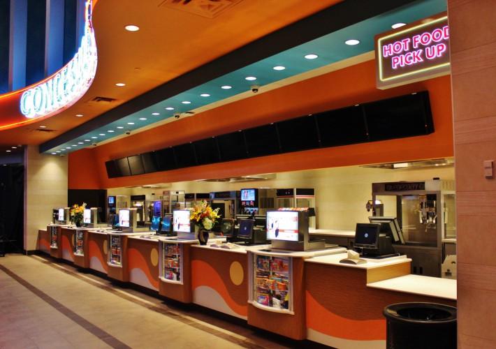 Regal Cinemas 12 Theatre  Westfield Plaza Camino Real