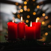 advent wreath announces his coming