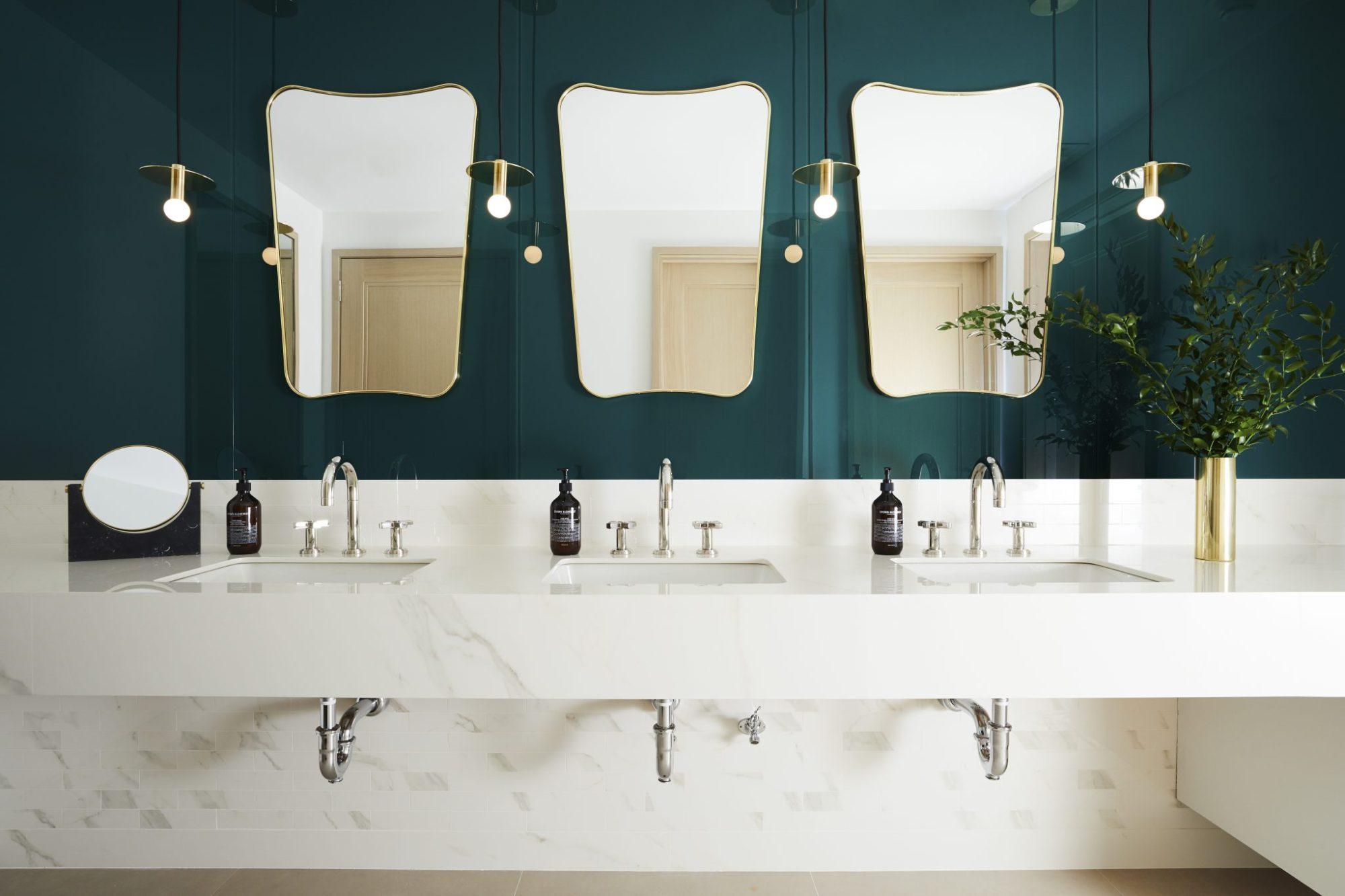 Maison co working space bathroom