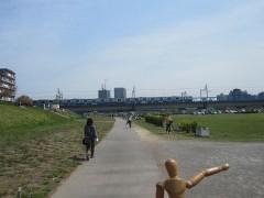 京浜東北線が見えてきた